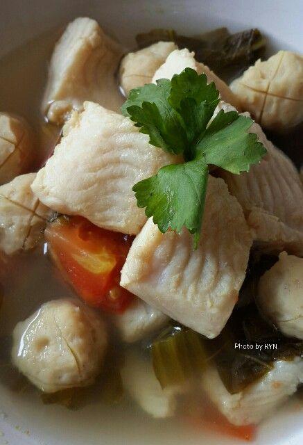 Sup Ikan Batam Ikan Dori Yang Dimasak Dengan Sayur Asin Tomat Segar Bakso Ikan Tenggiri Yang Dibuat Sendiri Sup Ikan Ikan Tenggiri Sayuran