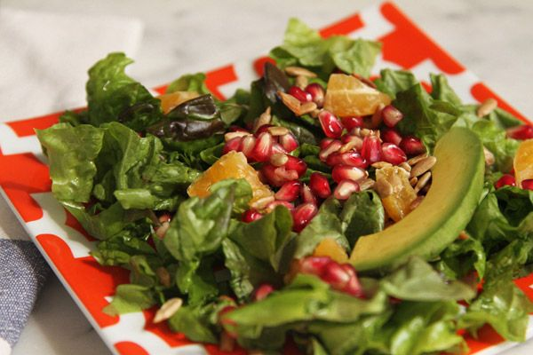 Πράσινη σαλάτα με πορτοκάλι και αβοκάντο
