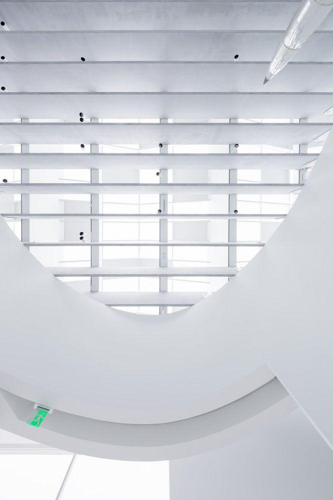 Gallery Of Corning Museum Of Glass Thomas Phifer And Partners 13 Glass Museum Corning Museum Of Glass Concrete Interiors
