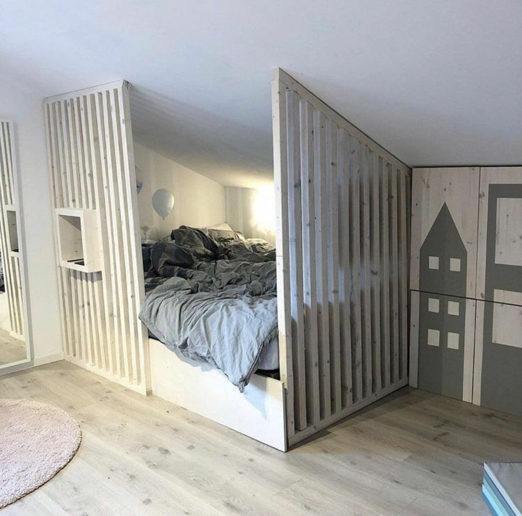 Bett unter Dachschräge im Kinder- & Jugendzimmer – Tipps,  #Bett #dachschräge #Jugendzimmer