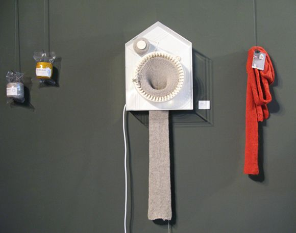 How to make a scarf knitting clock