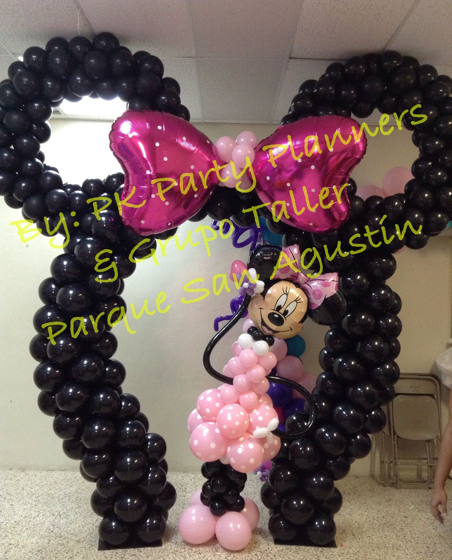Minnie mouse balloon arch minnie mouse party s libbi for Balloon decoration minnie mouse