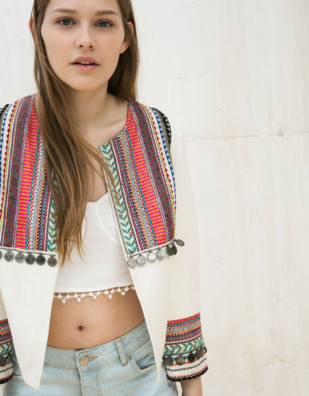 Blazer bordado étnico. Descubre ésta y muchas otras prendas en Bershka con  nuevos productos cada semana 238ece7a16d8