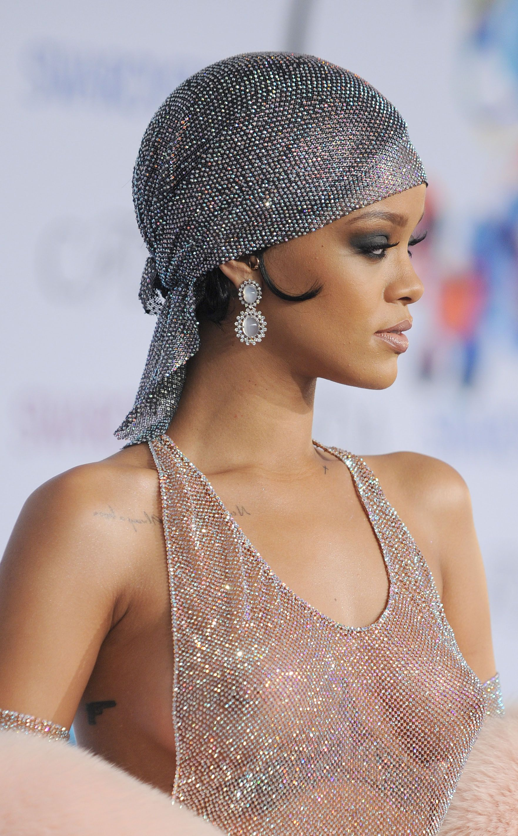 Cfda awards rihanna 2014 are mistaken