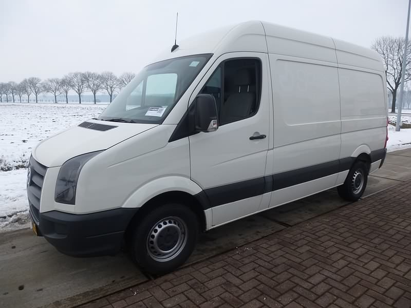 For Sale Used And Second Hand Van Volkswagen Closed Van Crafter 35 2 5 Tdi Volkswagen Crafter Volkswagen Used Vans Vans