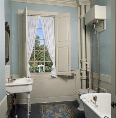 Hamilton House South Berwick, Maine c. 1785- Bathroom