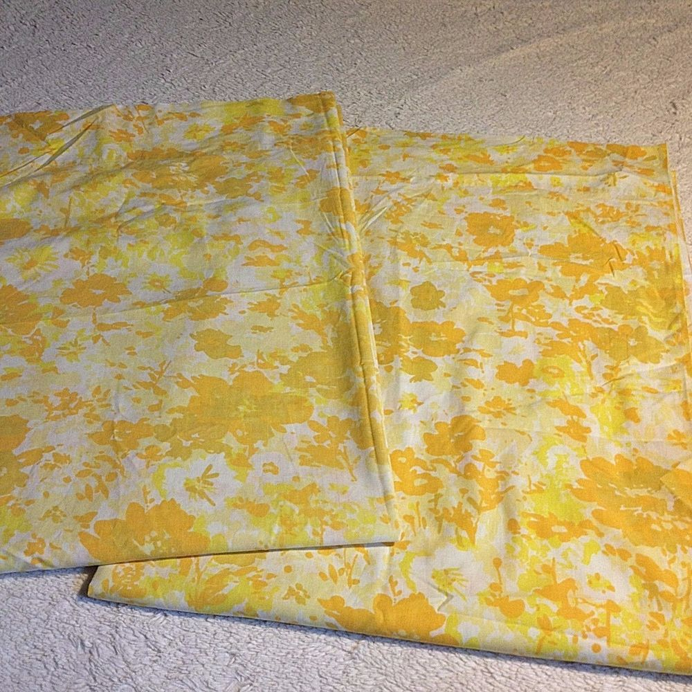 Lot of 2 VTG Twin Flat Bed Sheets Yellow Mod Abstract Floral Fabric Cutter Craft #Martex