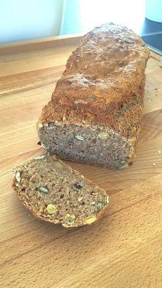 Saftiges Vollkornbrot, ein tolles Rezept aus der Kategorie Brot und Brötchen. Bewertungen: 1.533. Durchschnitt: Ø 4,8.