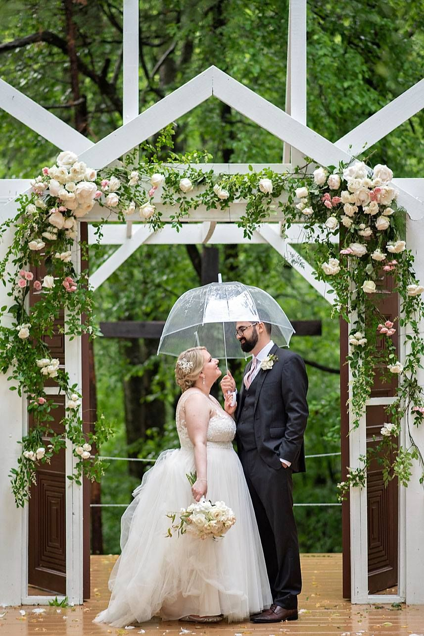 Chapel In The Woods Photo By Lindsey Lyons Photography Richmond Wedding Venue Virginia Wedding Venues Wedding Wedding Venues In Virginia