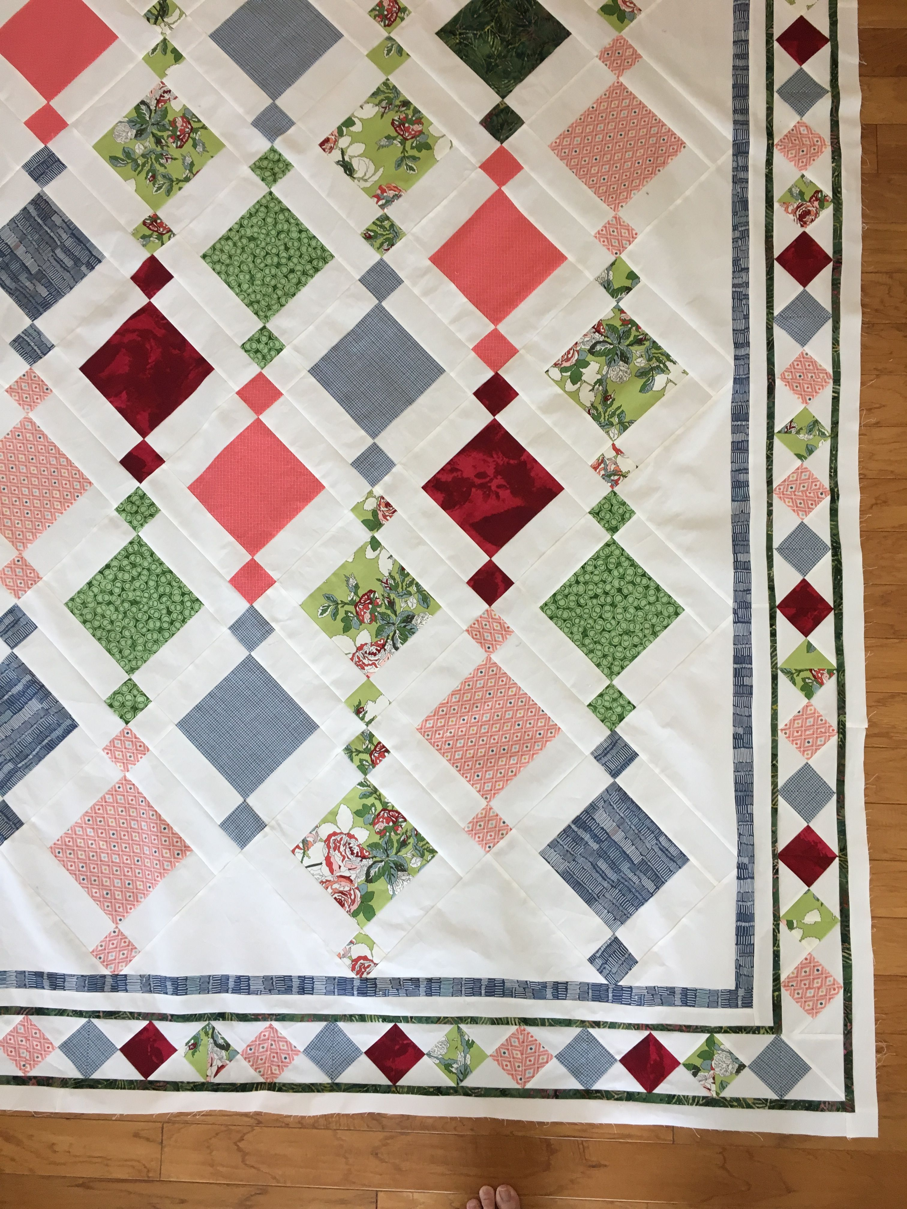 Chandelier Charm Pack Quilt With Diamond Braid Border Craftidea Org Quilt Patterns Quilts Charm Pack Quilt