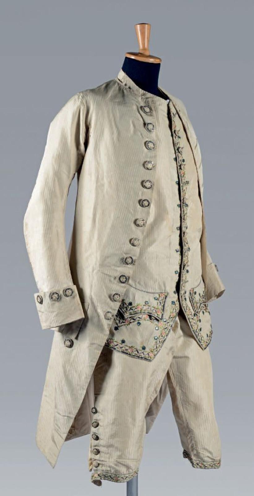 C 1790 Embroidered Man S Suit Silk Linen 18th Century Men S