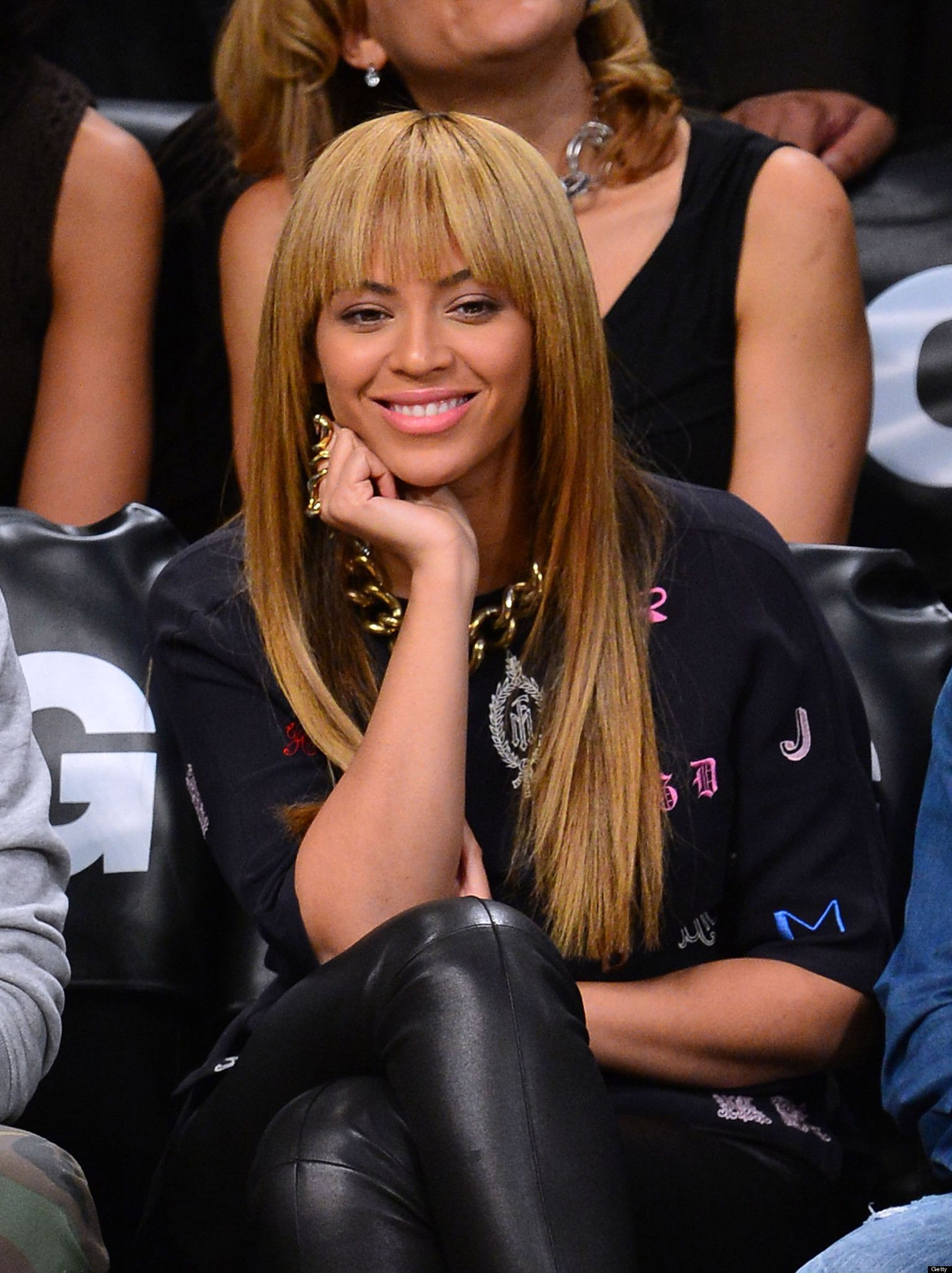 beyoncé opens a boutique?   bang hairstyles, bangs and long weave