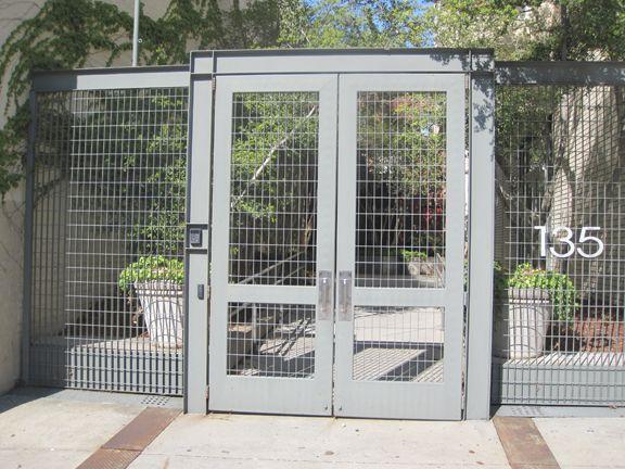 Puerta y cerramiento rejillas mallas met licas dise o - Mallas de hierro ...