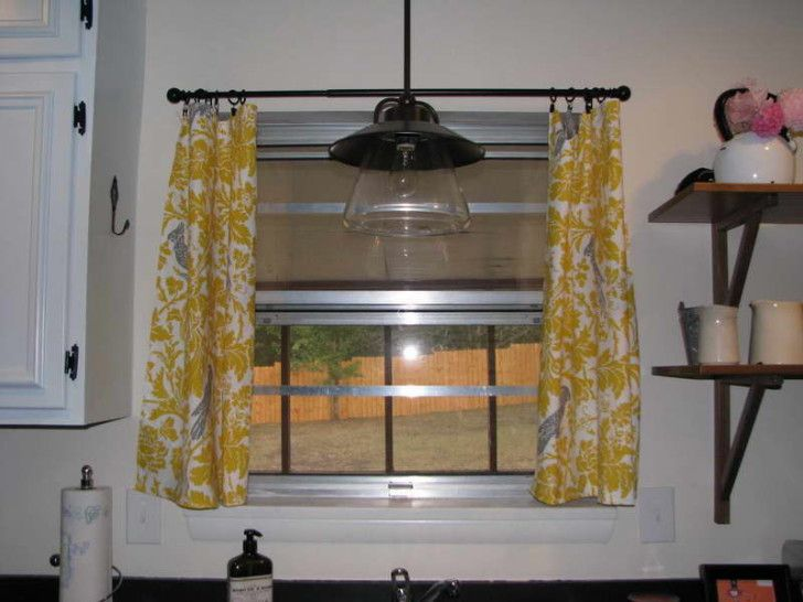 Kitchen Curtain Decoration With White Wall - //www.interior ... on antique kitchen cabinets with yellow walls, home decor ideas with yellow walls, remodeling kitchen with yellow walls, flooring with yellow walls, curtains with yellow walls,