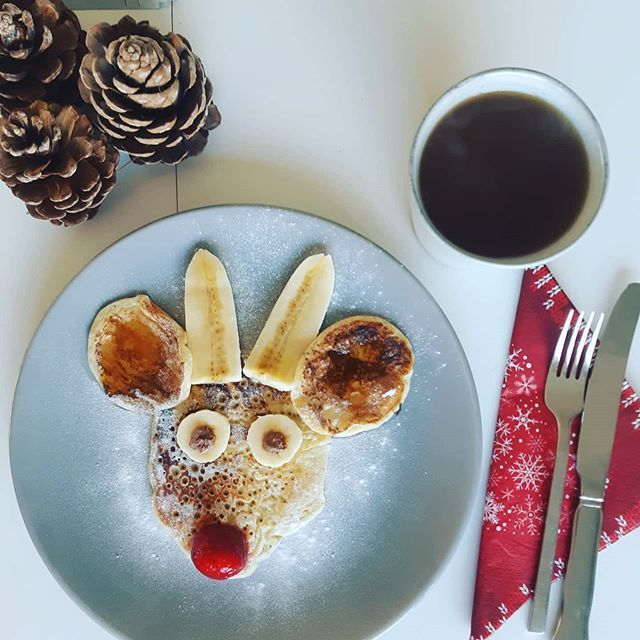 """KoffiePiraat on Instagram: """" Fijne feestdagen . We wensen jullie magische feestdagen vol met liefde en natuurlijk koffie! . #fijnefeestdagen #merrychristmas #merrychristmas #happyholidays #believe #santa #christmastime #christmas #christmasmagic #kerst #kerstmis"""