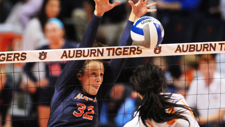 Volleyball Position Preview Middle Hitters Auburn University Athletics Volleyball Positions Volleyball Quotes Volleyball News