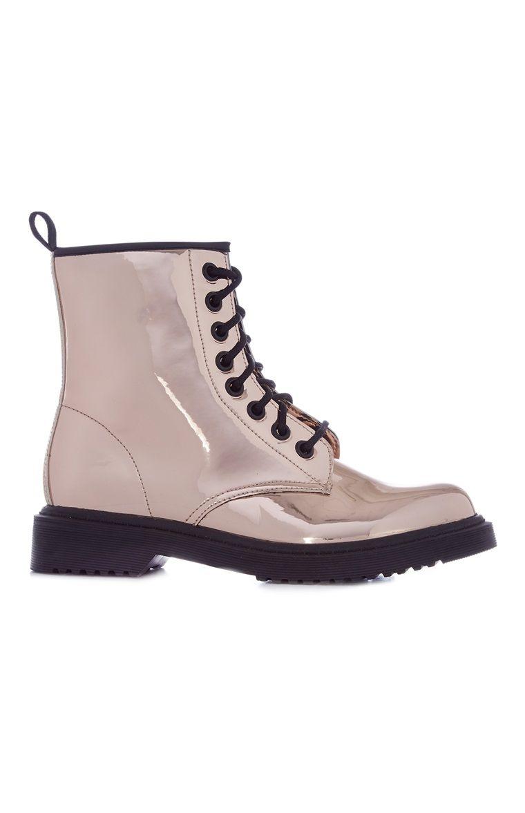 c2589c07bd Primark - Bottines montantes métallisées à lacets | Les chaussures ...