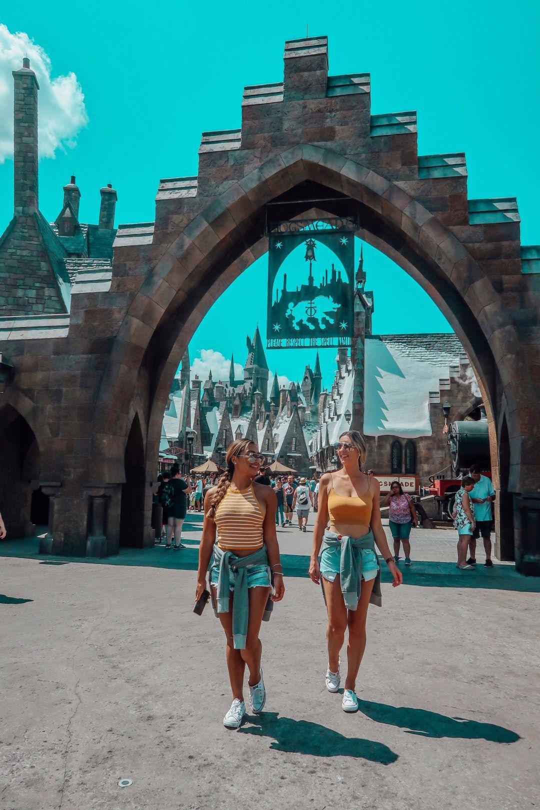 The Muggle S Guide To The Wizarding World Of Harry Potter Harry Potter Universal Studios Universal Studios Orlando Trip Disney Photo Ideas