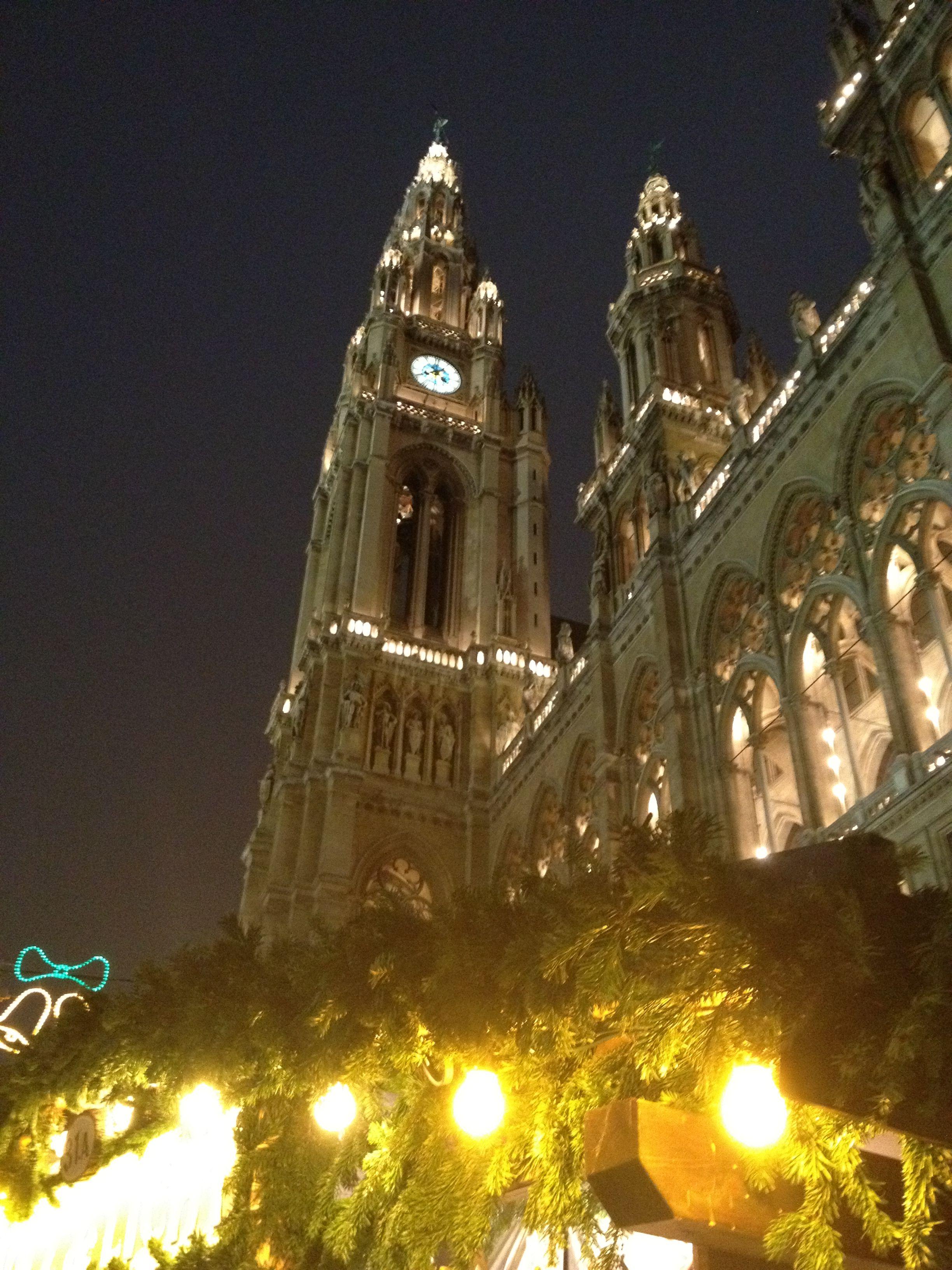 Wien bei Nacht...    We love Wien!  http://www.ostheimer.at