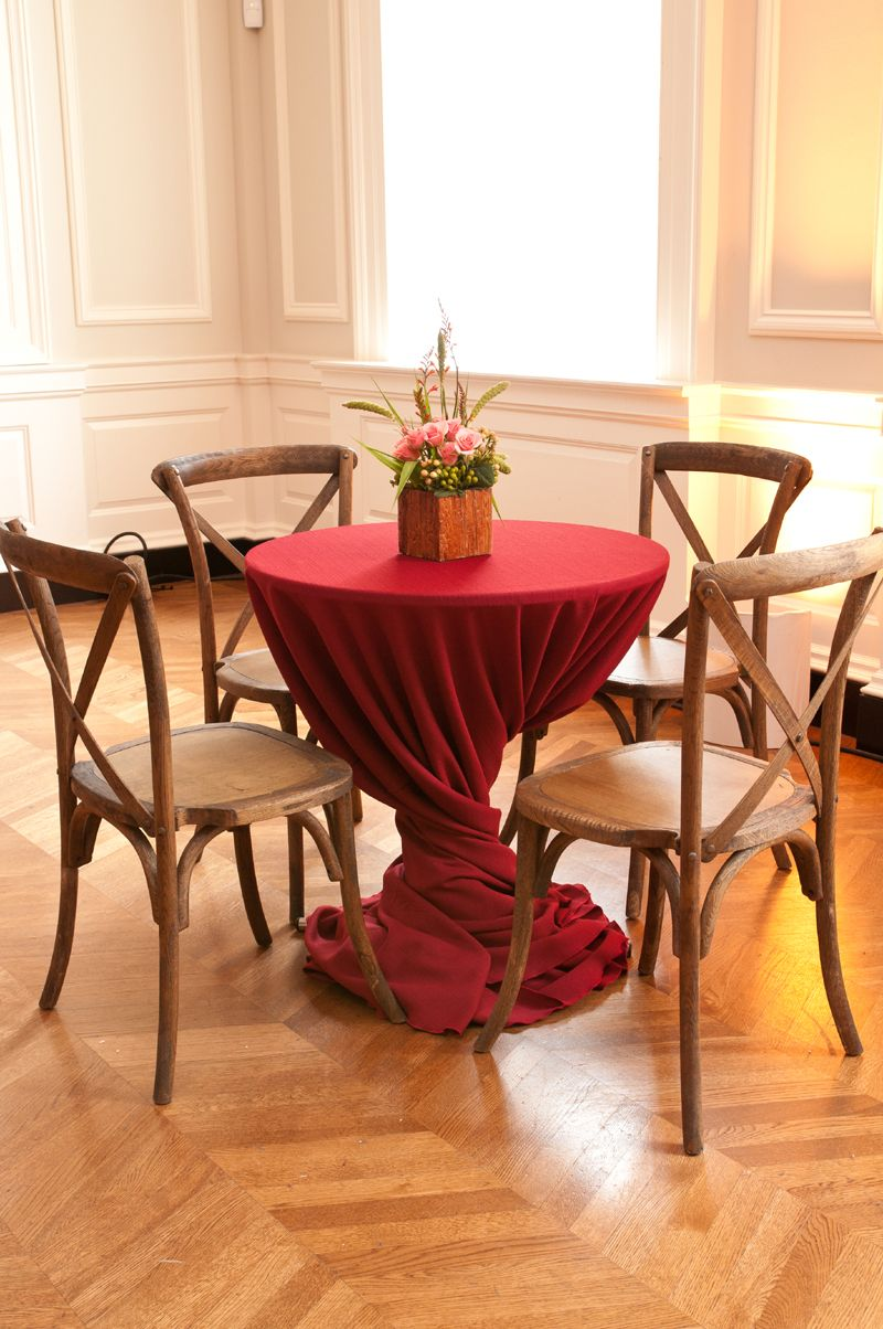 Designer: Kehoe Designs  Caterer: Berghoff Catering  Linens: Scarlet Yuma #wedding #ideas