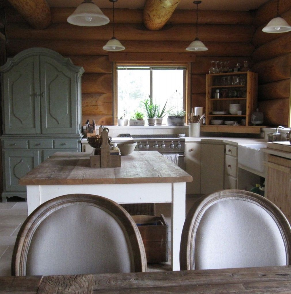 Kitchen cabinet ideas for log homes - 8 Features Every Log Home Should Have Incredible Kitchen Too