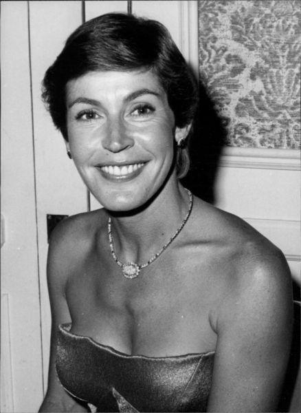 Helen Reddy | Helen reddy, Pop singers, Female singers