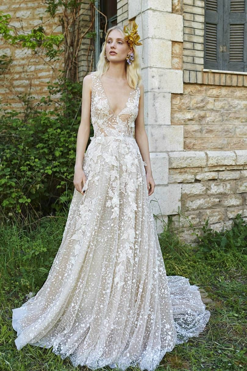 Wedding dress for your body  How to Choose The Best Wedding Dress Shape For Your Body  Wedding
