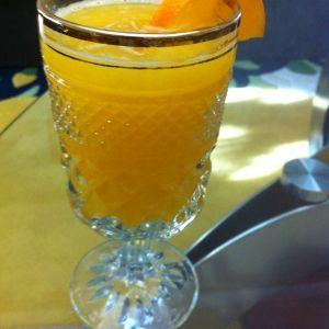 عصير البرتقال أضيفت بواسطة أم رائد المشروبات Punch Bowls Recipes Hurricane Glass