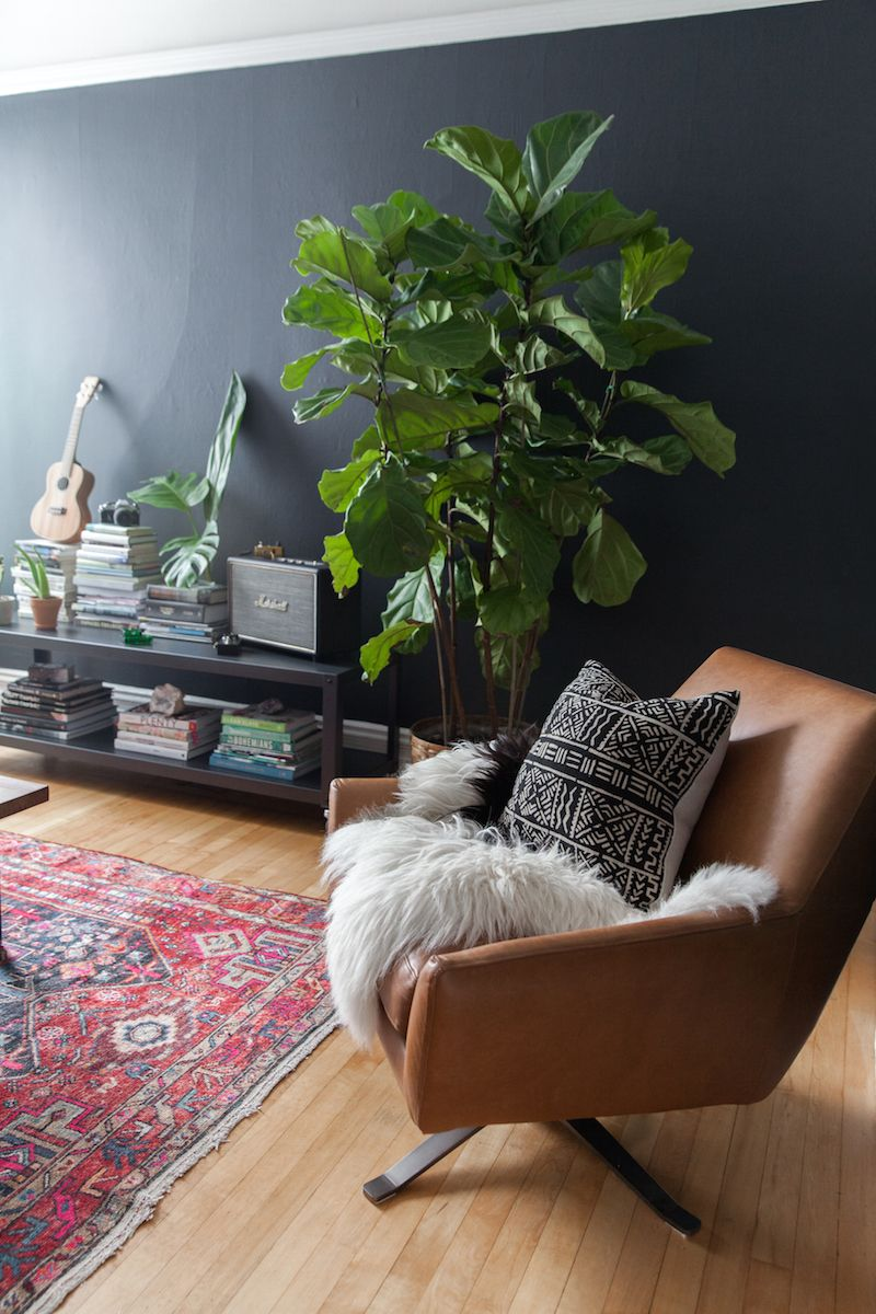 Jen Kay's San Franciscoabode is truly Pinterest-worthy. From the texturedand cozy living space to the bright and airy office,...