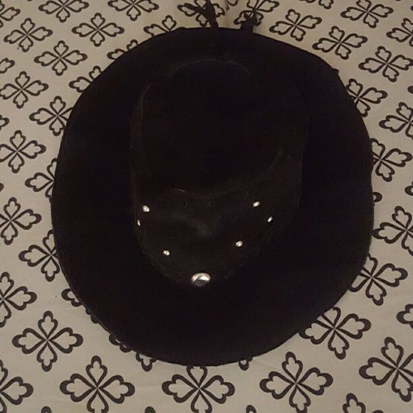 BOHO WESTERN GYPSY COACHELLA HAT Worn once Slight mark on front but I think  it could be removed,only really noticeable in picture using flash. Accessories Hats
