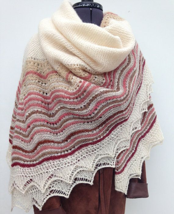Hand Knit Shetland Lace Hap Shawl Cream Pink Wine | Chal y Dos agujas
