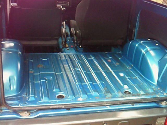 スズキ ジムニー Ja11 室内のカーペットを取っ払いました Cars