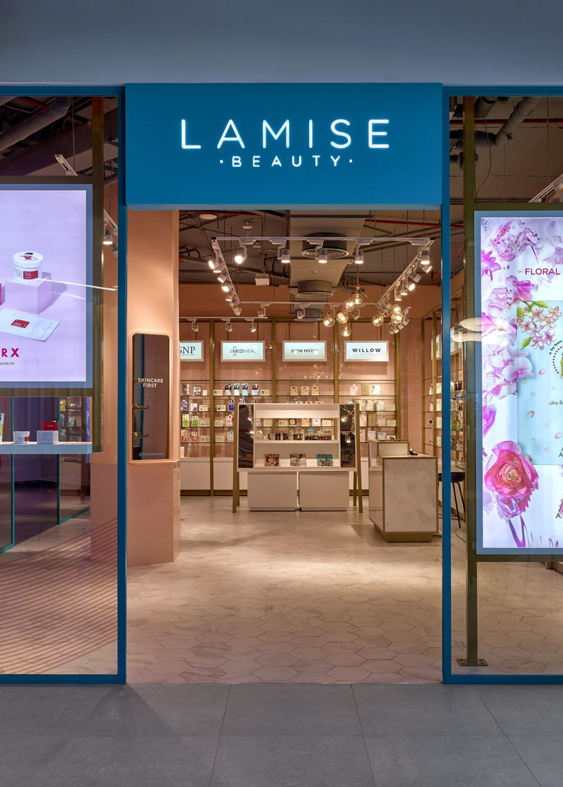 Beauty Clinic, Lifestyle, Retail, Retail Store/Shop Designs: 1004 Gourmet, Dubai - Love That Design