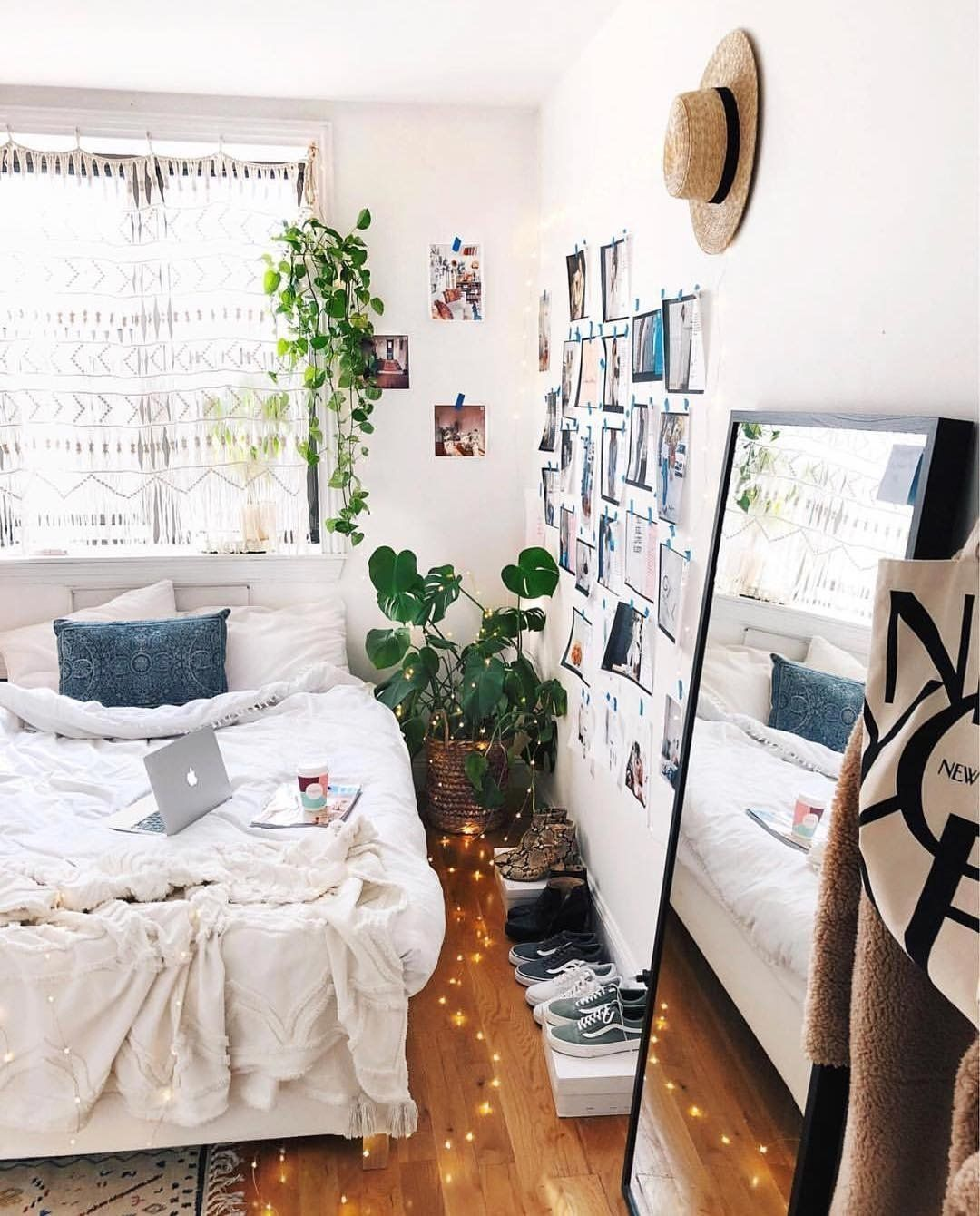 25 Small Bedroom Ideas That Are Look Stylishly Space Saving: 37 Urban Outfitters Bedroom Ideas