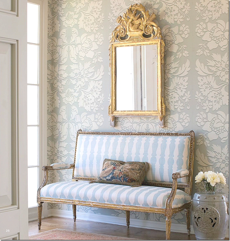 love this entry with the bench in blue  white