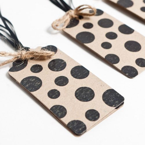 <3 black dots gift tags