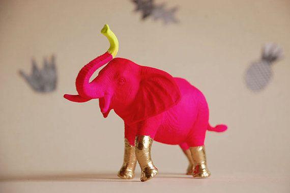 SVPPLY.com     oooooo ooooo ooooo pink elephants!