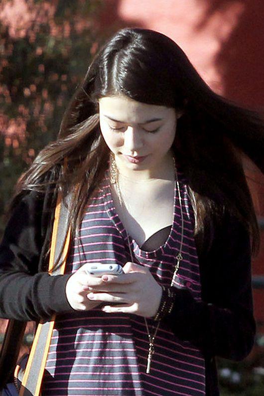 miranda cosgrove bra | Miranda Cosgrove texting pretty black bra 136610