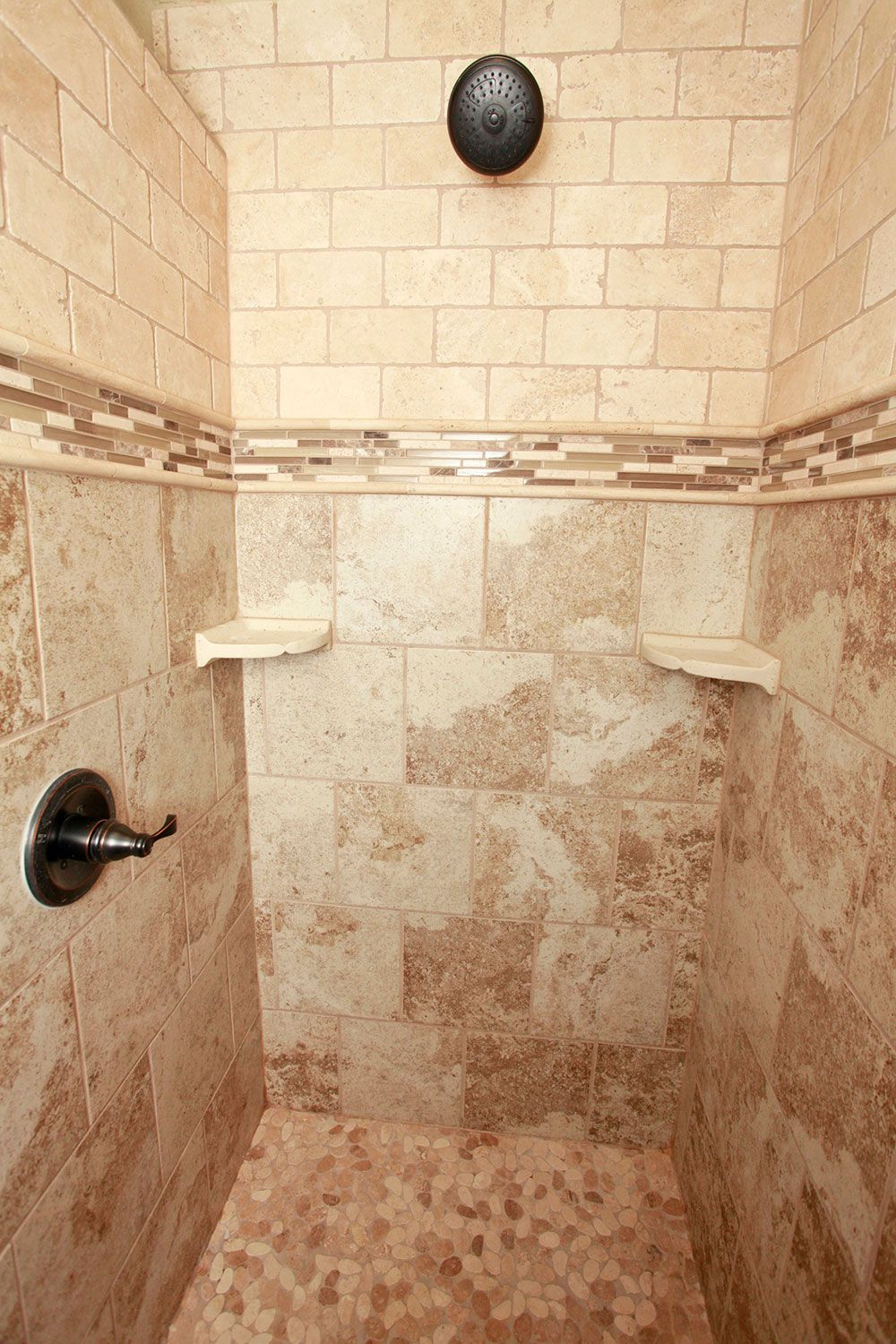 Mixing tile in walk in shower corker custom homes for Liberty hill custom home builders