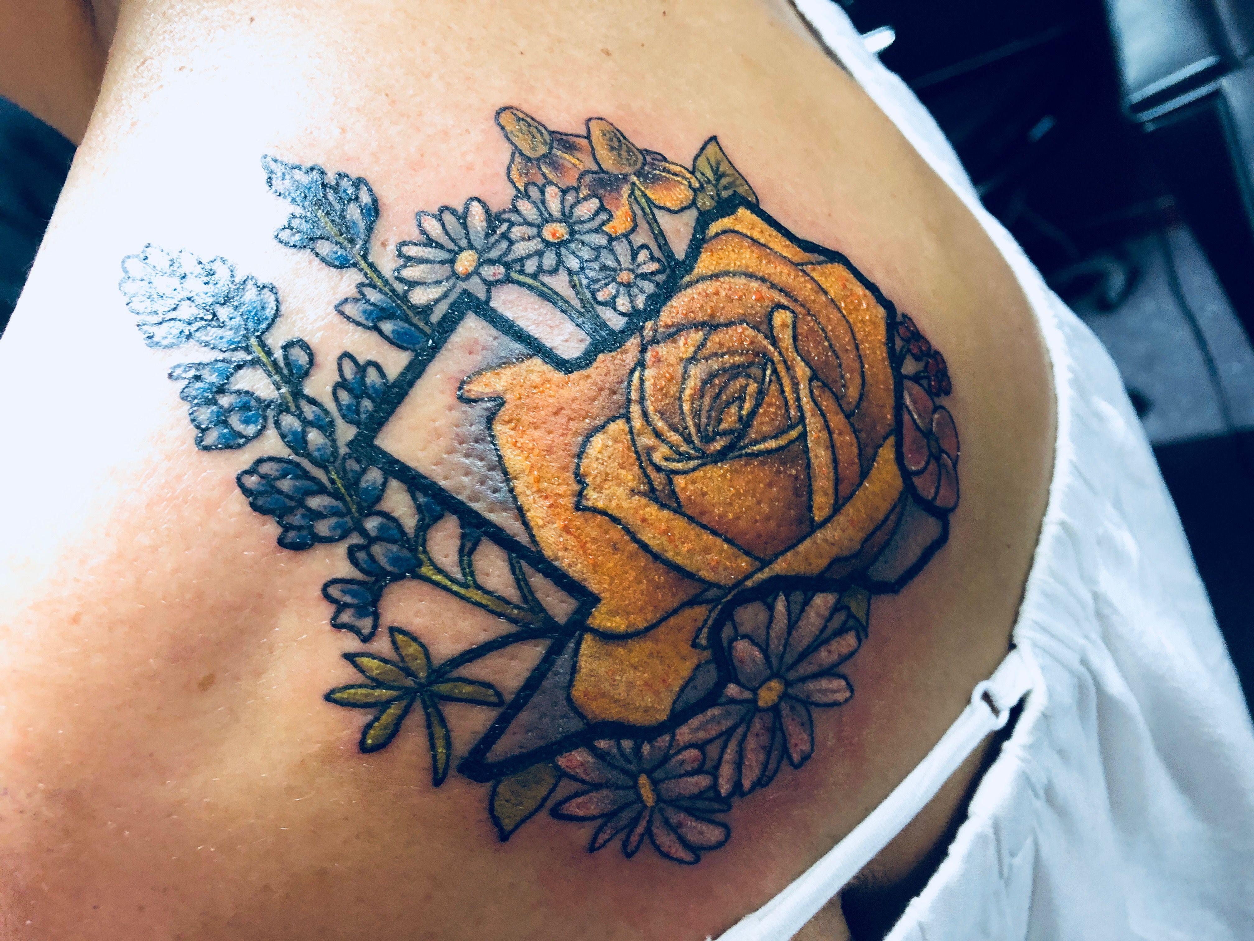 Yellow Rose Of Texas Tattoo Tattoo Yellowroseoftexastattoo Yellowrose Bluebonnettattoo Texas Texasforever Texas Tattoos Tattoos Cowgirl Tattoos