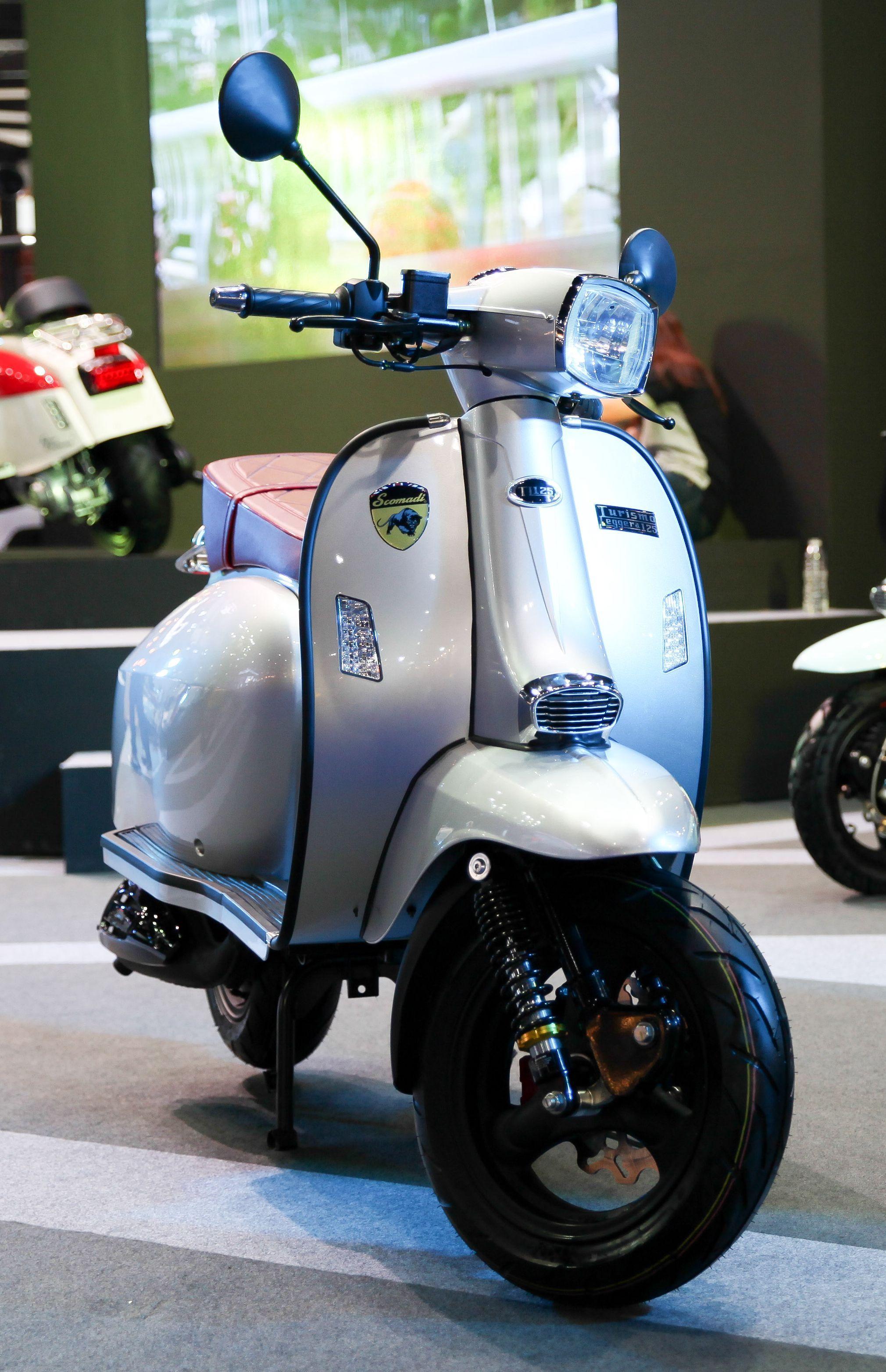THE CLASSIC SPIRIT LIVES ON | scomadi | Lambretta scooter