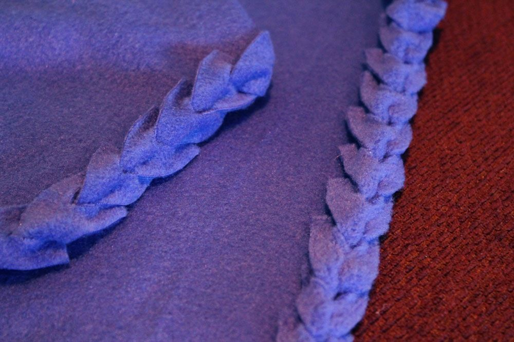 No Sew Fleece Blanket With Cute Tied Edging Not Knotted Crafts