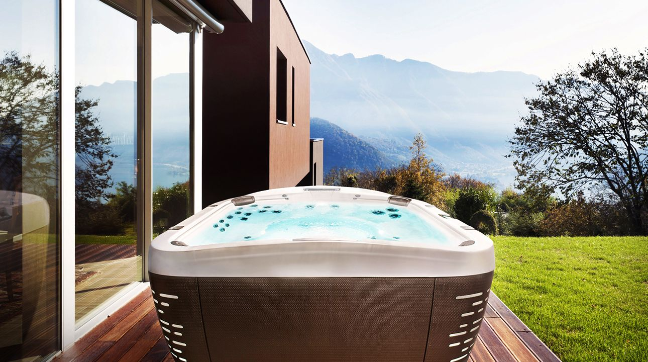 Indoor Vs Outdoor Hot Tubs Understanding The Difference Jacuzzi Com Hot Tub Hot Tub Outdoor Indoor Hot Tub