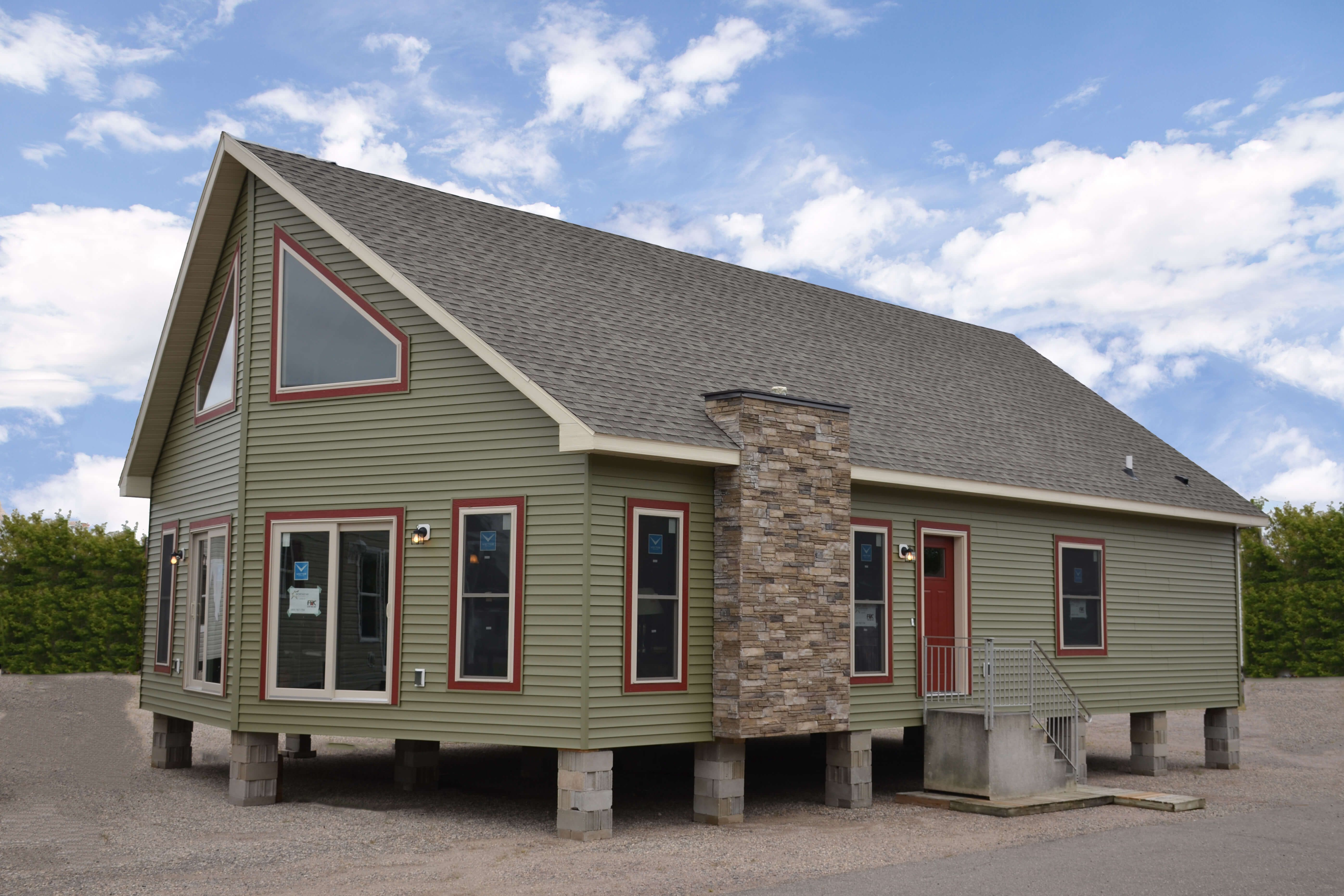Vinyl Siding In Spruce Timberline Hd Shingles In Weathered Wood Plum Creek Versetta Stone Custom Modular Homes Modular Home Floor Plans Modular Homes
