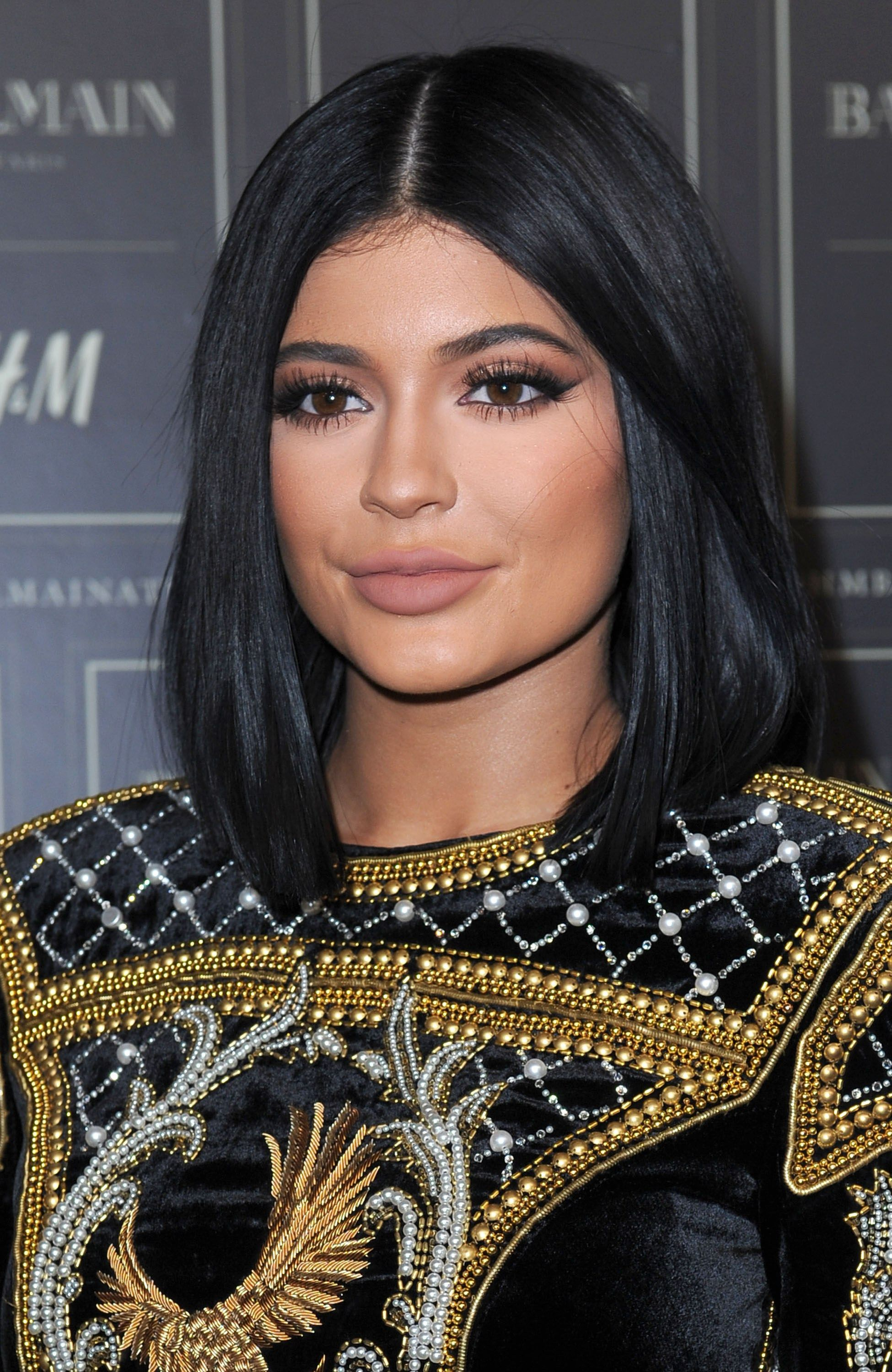 Kylie Jenner's Blending Trick for a Soft, Purple Smokyeye