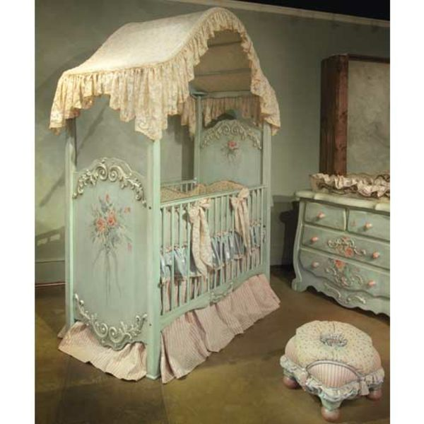 Le ciel de lit bébé protège le bébé en décorant sa chambre