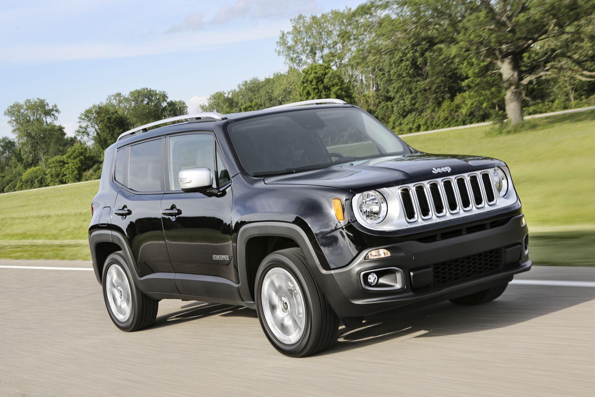 Nissan Juke Vs Jeep Renegade Compare Cars Jeep Renegade Jeep
