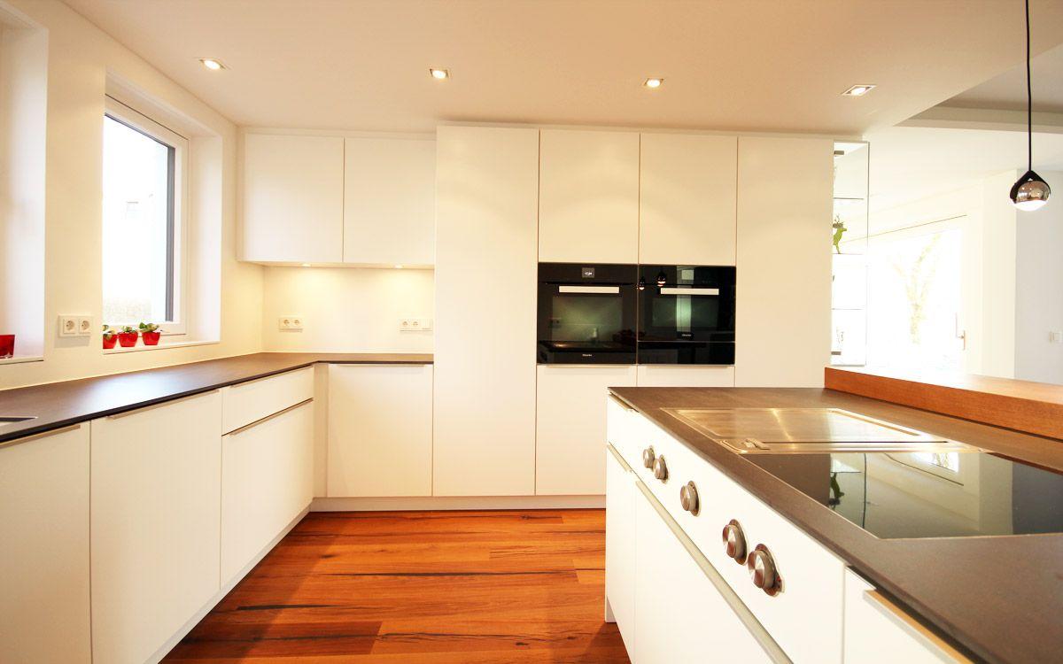 BEER Küchen.Manufaktur | Küche Mit Keramikarbeitsplatte #weißeküche  #keramik #arbeitsplatte #küche