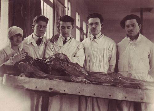 Vintage Morticians Morticians In Training And A Pathologist