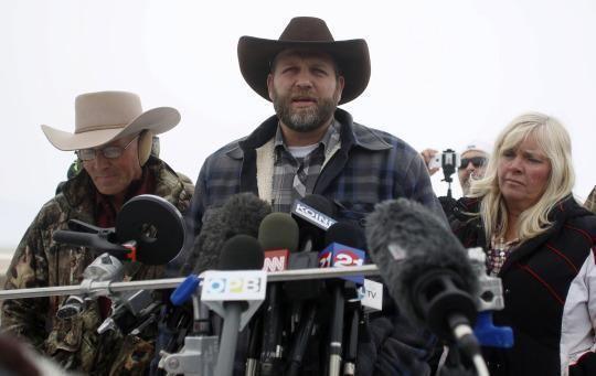 Ammon Bundy addresses the media at the Malheur National Wildlife Refuge near Burns, Ore., on January 5, 2016. (Photo:Jim Urquhart/Reuters)